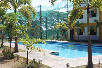 야외 수영장 및 골프연습장.JPG
